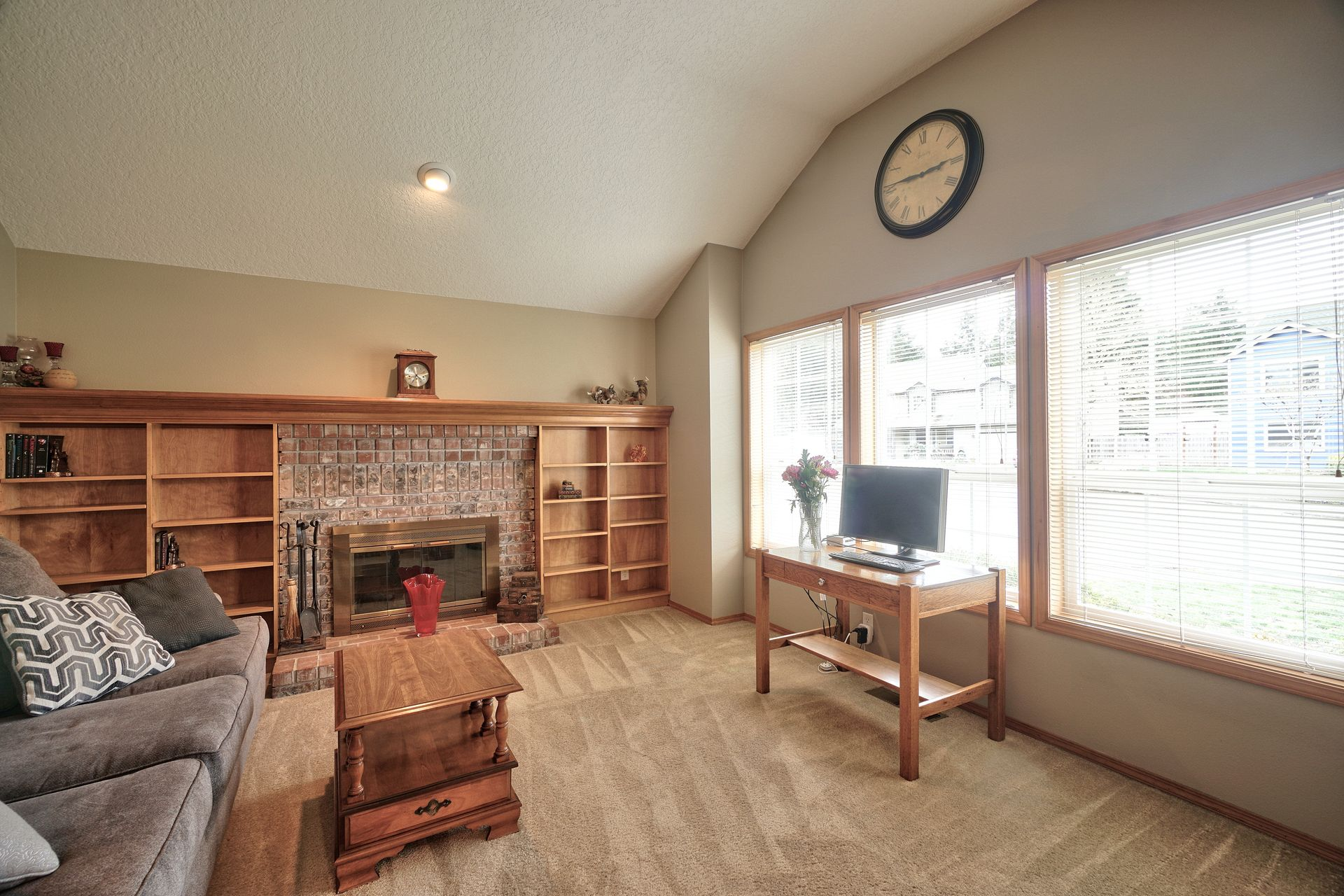 Dianne and Jeff Yake's listing at 5374 SW Dominie Ct, Aloha, OR