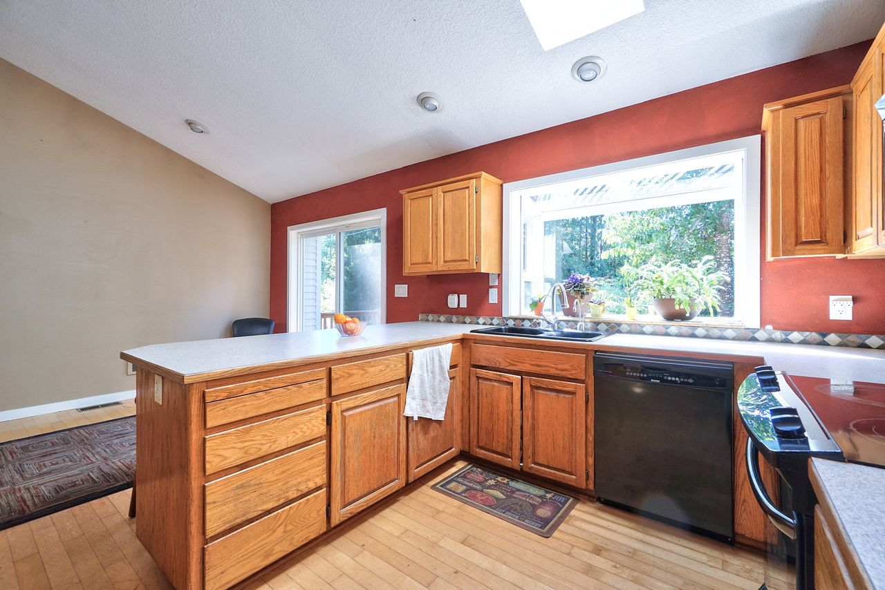 Dianne and Jeff Yake and Dave McGarry's listing at 32980 SW Firdale Rd, Cornelius, OR