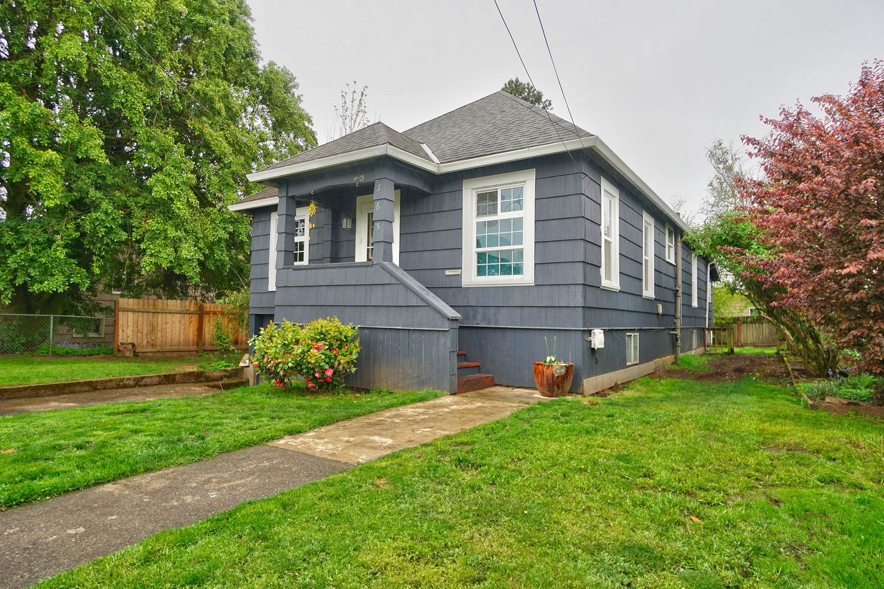 Lisa Hinkle and Candice Fuller's listing at 365 N 2nd St, St Helens, OR