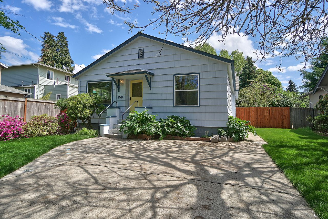 Vicky Bacon's listing at 4516 SE 33rd Pl, Portland, OR