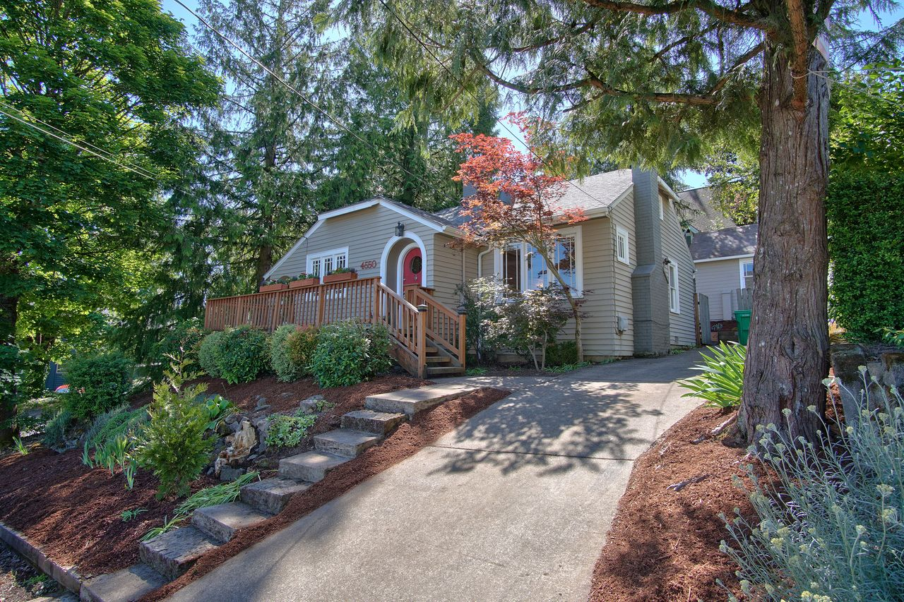 Jeff Nopper's listing at 4550 SW Martha St, Portland, OR